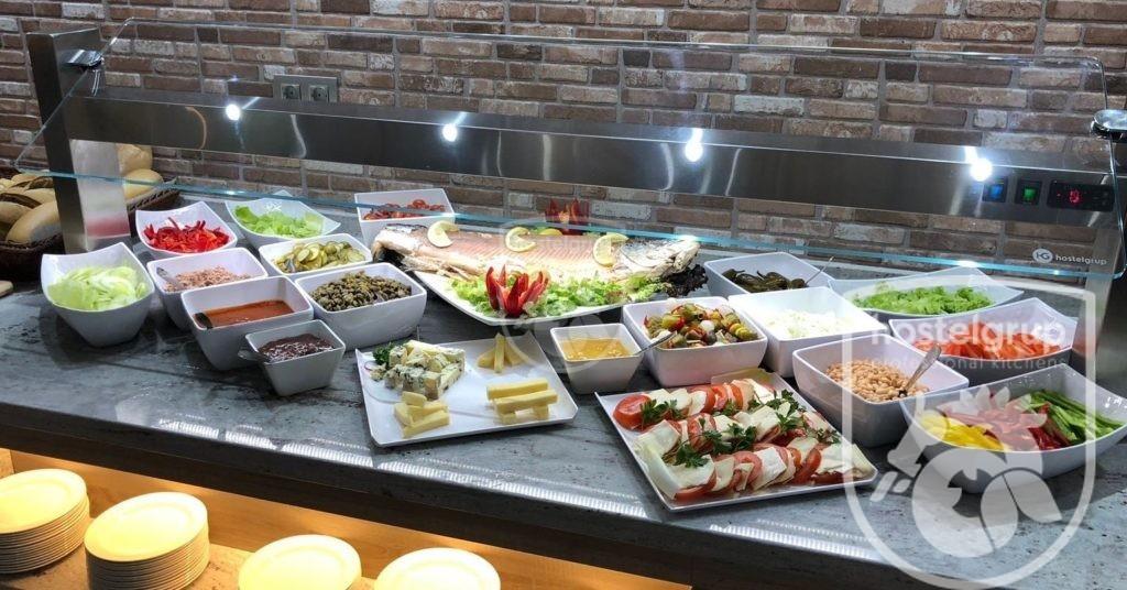 Montaje de 10 bufets, bares y cocinas para el Hotel Río Playa Blanca en Lanzarote